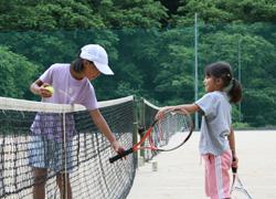多くの方に、テニスを楽しんで頂きたい