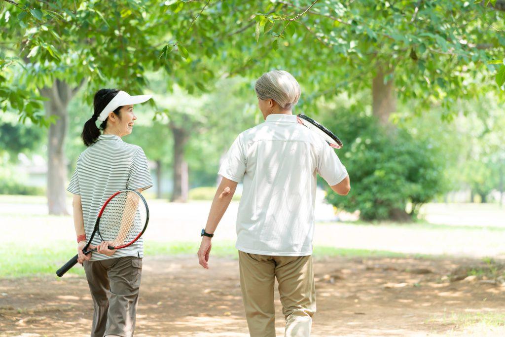 テニスって何歳までできるの?プロ競技や趣味のテニスが何歳まで続けられるのかを解説