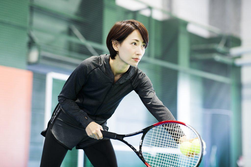 テニスはダイエットになる?テニスの消費カロリーやテニスをやることによる身体的な効果を解説