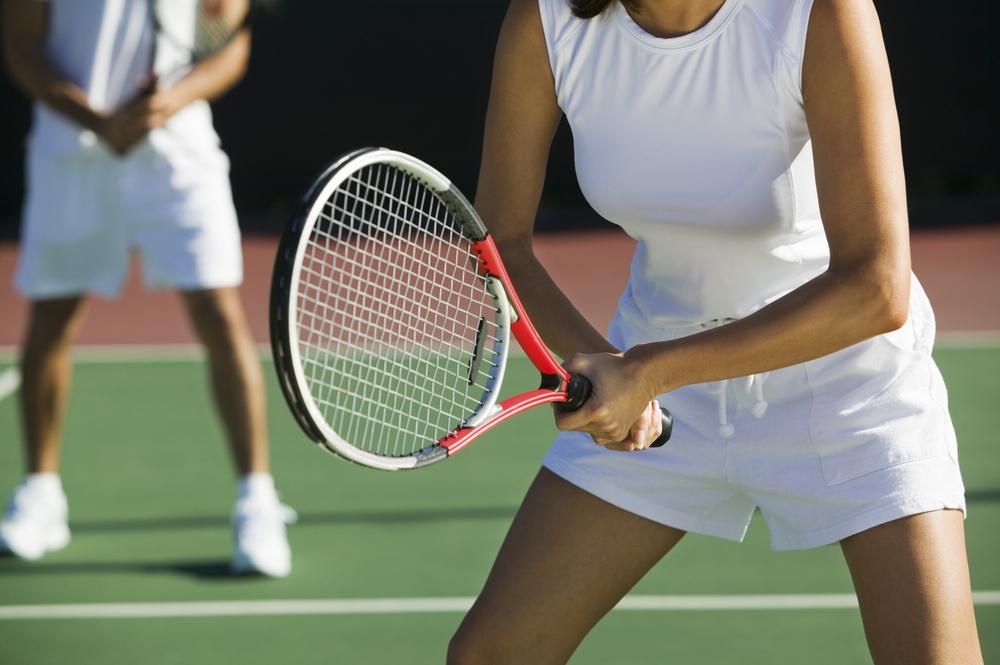テニスのダブルスの魅力とは?シングルスとの違いや楽しみ方を解説