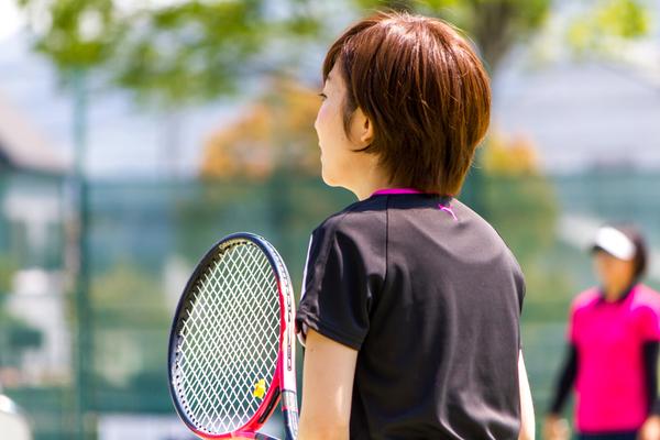 テニスは運動不足解消にもおすすめ!練習メニューや練習方法を紹介