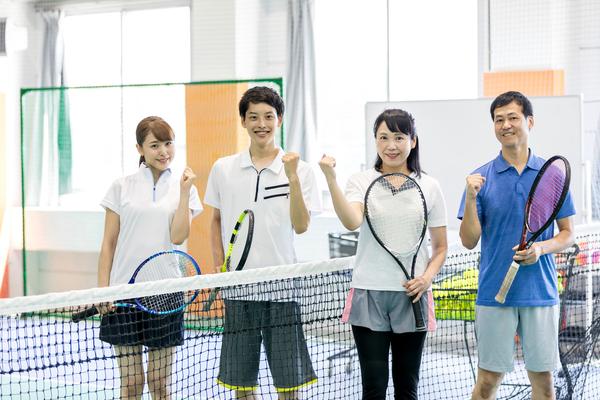 テニスは40代から始めても全然大丈夫!レベルアップのコツやテニスを始めるメリットについて解説