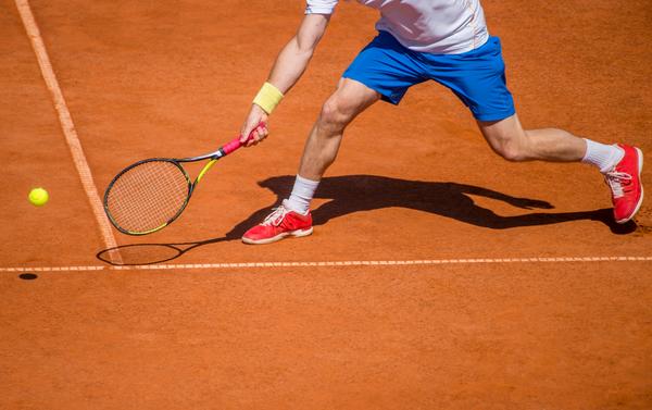テニスには隠された驚きの魅力が存在する?生涯の趣味として始めてみませんか