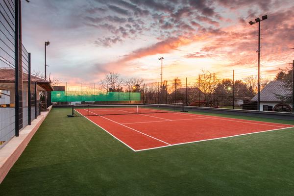 テニスコートの種類や概要について!詳しく解説します